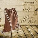 Koptatott barna műbőr tornazsák, Táska, Hátizsák, 40*45 cm méretű tornazsák barna szinű koptatott hatású textilbőrből 8 mm-es pamutzsinórral, Meska