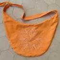 Mandalás táska - narancs, Táska, Válltáska, oldaltáska, Tarisznya, Varrás, Festett tárgyak, Nagy méretű női táska narancssárgára festett vászonból, kézzel festett mandala motívummal. A mandal..., Meska