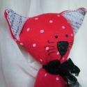 Oszkár - Piros-fehér pöttyös cica, Oszkár elegáns cica, szeret kiöltözni és szal...