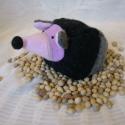Meggymagos babzsák marok süni (Beanbag hedgehog), Sünike (15 x 8 cm) pulcsianyagból és polárból...