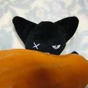 Nem denevér :) - cica: fekete és rosszcsont - Helloween, A pöttyös trikós pici cica igazi rosszcsont. Le...