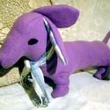 Tacsi - Lolika - tacskó kutya, Lolika egy kis önérzetes lány tacskó kutya, ak...
