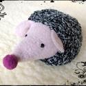 Meggymagos babzsák marok süni (Beanbag hedgehog), Sünike (16 x 10 cm) puha szürke dizájn anyagbó...