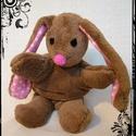 Puha nyuszi - Bunny softie, Játék, Plüssállat, rongyjáték, Ez a nyuszi pihe-puha, bundája is lágy és könnyű. 39 cm a talpától a füle búbjáig mérve, 27 cm a fej..., Meska