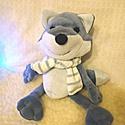 Poli a sarki kékróka - Poli the polar blue fox, Játék, Plüssállat, rongyjáték, Poli a róka pihe-puha, bundája Kékesszürke plüss, vastag puha sálat visel, arra az esetre készülve, ..., Meska