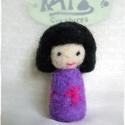 Japán baba - Kokeshi- Tündér / Manó, Játék, Játékfigura, Baba játék, Ő egy apró, kedves Japán baba.  Játék, vagy dísz egyaránt lehet, fontos, hogy örömöt szerezzen. 7,5 ..., Meska