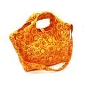 Virágos mintás táska, Táska, Baba-mama-gyerek, Válltáska, oldaltáska, A termék megnevezése:táska  Színei: - narancs   Mérete:   Magassága : 27 cm + a füle  Szélessége : 3..., Meska