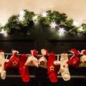 Piros pöttyös Adventi naptár füzér gyerekeknek, 24 darabos, Dekoráció, Ünnepi dekoráció, Karácsonyi, adventi apróságok, Adventi naptár, Ajándékzsák, Varrás, Ez a piros - fehér pöttyös adventi naptár füzér igazán gyerekszobába való, de a nappalit is díszíth..., Meska