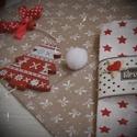 Skarlátvörös karácsonyi csillagok - ünnepi textil szalvéta, Dekoráció, Karácsonyi, adventi apróságok, Ünnepi dekoráció, Karácsonyi dekoráció, Ismét közeledik az év legszebb időszaka: az advent. Díszítsd föl otthonodat is, hogy könnyebb legyen..., Meska