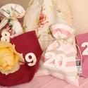 Rózsás vintage ADVENTI naptár füzér, 24 db-os, bordó, krém és bézs színekben, Otthon & lakás, Lakberendezés, Ajtódísz, kopogtató, INGYENES POSTA   Rózsás vintage adventi naptárat igazán romantikus lelkű hölgyeknek terveztem! Meglá..., Meska