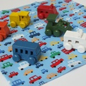 Autós textilzsebkendő kisfiúknak - vidám színekben, Minden kisfiú odavan a kisautókért. Lepd meg ez...