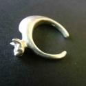 cica gyűrű, Ékszer, óra, Gyűrű, 925ös ezüstből készült gyűrű, egy cicát ábrázol.alul nyitott ezért mérete állítható. , Meska