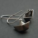 origami csónak, Ékszer, Fülbevaló,   Hajtogatott papírcsónak fülbevaló, 925ös sterling ezüstből. (1,3x1cm) , Meska