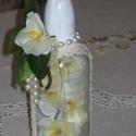 Orchideák üvegben, Dekoráció, Esküvő, Esküvői dekoráció, Ünnepi dekoráció, Romantikus, üvegbe zárt selyemvirág orchidea, fehér akrillal festett fél literes újrahasznosított üv..., Meska