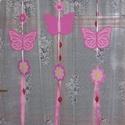 Pillangós függődísz - pink, Dekoráció, Baba-mama-gyerek, Gyerekszoba, Mobildísz, függődísz, Ajtódísz, kopogtató, A rózsaszín árnyalataiban készült vidám nyári függődísz gyerekszobába, de lehet ablakdísz és ajtódís..., Meska