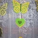 Pillangós függődísz - zöld-sárga, Baba-mama-gyerek, Dekoráció, Gyerekszoba, Mobildísz, függődísz, Ajtódísz, kopogtató, Gyöngyfűzés, Mindenmás, Zöld - sárga színösszeállításban  készült vidám  függődísz gyerekszobába, de lehet ablakdísz és ajt..., Meska