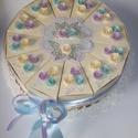 Party torta- hortenzia színekben,közepes , Esküvő, Nászajándék, 20 cm átmérőjű  12 szeletes party torta hortenzia színekben, az esküvő dekorációs színeihez igazítva..., Meska