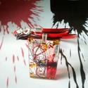 Vörös és fekete hengerbőr és gyanta nyakék, Ékszer, Képzőművészet, Nyaklánc, Medál, Vörös és fekete, vegyes tecnikával díszített gyanta medált készítettem, amit egy 43 cm-től 47 cm-ig ..., Meska