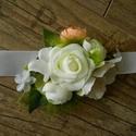 Esküvői csuklódísz, Esküvő, Hajdísz, ruhadísz, Virágkötés, Esküvői csuklódísz menyasszonynak vagy koszorúslányoknak. Szatén szalagon, minőségi selyemvirágok c..., Meska