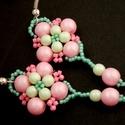 Pasztell fülbevaló, Ékszer, Fülbevaló, Gyöngyfűzés, Pasztell gyöngyökből készítettem ezt a nőies fülbevalót. Halvány rózsaszín valamint mentazöld golyó..., Meska