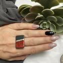 Fémes elegancia gyűrű, Fémes piros és ezüst kombinációja a szürkév...