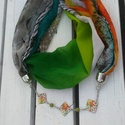 Iris, Ékszer, óra, Ruha, divat, cipő, Nyaklánc, Kendő, sál, sapka, kesztyű, Varrás, Tűzzománc, A természet minta gazdagsága rejlik ebben a feltűnő szivárvány színes két funkciós ékszer-sálban.  ..., Meska