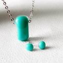 Türkiz kék színű nyaklánc és fülbevaló, A Solo kollekció kitűnő darabja lehet a ruhatá...