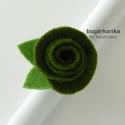 Rózsa gyűrű - spenót zöld, Ékszer, óra, Gyűrű, A gyűrű alapja állítható, a rózsa mérete levéllel együtt kb. 3x4 cm, magassága kb. 2 cm.  Hozzá illő..., Meska