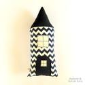 Szundi párna - cikcakkos házikó figura - sötét kék + fehér, Hosszúkás kispárna, amit jó megölelni, ráfek...