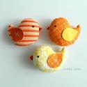 Kismadarak - narancs függeszthető dísz- 3 darab, Tarka függeszthető kismadárkákat készítettem...