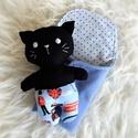 Bébi cica pólyában -  fekete, Játék, Baba-mama-gyerek, Baba, babaház, Plüssállat, rongyjáték, Minden darab egyedi, kézzel készült, így garantáltan nem lesz ilyen senki másnak! :)  Kiváló minőség..., Meska