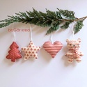 Piros-fehér karácsonyi díszek (maci, csillag, fenyő, szív) - 4 db-os szett  - függeszthető dekoráció, A piros-fehér kollekció részeként készültek ...