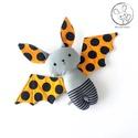 Denevér bébi, narancssárga, pöttyös - textil figura - baby bat - játék állat, Minden darab egyedi, kézzel készült, így garan...
