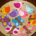 Pillangós-madárkás díszek, Dekoráció, Dísz, Egy kedves vásárlóm elképzelései alapján készültek ezek a vidám színű madárkák és pillangók. A csoma..., Meska