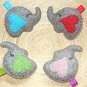 Elefánt kulcstartók (4 db), Baba-mama-gyerek, Mindenmás, Kulcstartó, Gyapjúfilcből  készítettem ezeket a bájos szívecske fülű elefántokat. Természetesen külön-külön, ill..., Meska