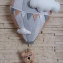 Babaszoba dekoráció - hőlégballonos maci (szürke), Baba-mama-gyerek, Dekoráció, Gyerekszoba, Mindenmás, Varrás, Elragadó dekoráció a baba birodalmába!  Harmonikus, modern színeivel a babaszoba dísze lehet ez a f..., Meska