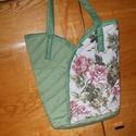 Rózsás táska, Táska, Szatyor, Válltáska, oldaltáska, Zöld és rózsás textilia variációjával készült ez a közkedvelt táska.Varrásából adódó..., Meska