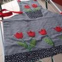 Tulipános kötény, Konyhafelszerelés, Kötény, Varrás, Selyemfényű sötét alapra kézi applikálással készítettem ezt a szép tulipános mintát. Egyediségével ..., Meska