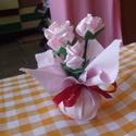 Selyemcsokor, Otthon, lakberendezés, Anyák napja, Asztaldísz, Selyem szalagból, textilanyagból KÉZZEL VARROM ezeket a virágokat. Különböző  szép textilia..., Meska