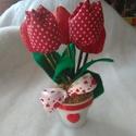 Cserepes tulipán, Otthon, lakberendezés, Anyák napja, Asztaldísz,  Nőnapra, anyák napjára, pedagógusnak ajánlom ajándékba. 6 cm-es cserépben 5 szál textil tu..., Meska