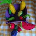 Gyümölcsök, Játék, Plüssállat, rongyjáték, Játékfigura, Varrás, 15 x 15 cm-es filckosárban filcből kézzel varrt gyümölcsök. Szerepjátékhoz kitűnő eszközök. Óvodába..., Meska