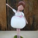 Balerina - tűnemezelt baba, dekoráció, Dekoráció, Játék, Baba, babaház, Baba-és bábkészítés, Nemezelés, Melyik kislány ne szeretne balerina lenni? Ezzel a kecses, bájos balerina babával igazi lányos hang..., Meska