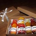 Karácsonyi doboz, Karácsonyi válogatás a Bogyódombtól. A doboz ...