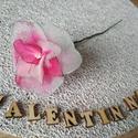 Valentin-napi rózsa, Szerelmeseknek, Dekoráció, Virágkötés, A közelgő Valentin-nap alkalmából vásárlásra kínálok szálas rózsaszín és fehér árnyalatú rózsákat. ..., Meska