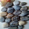 Pozitív kövek nyárias, Dekoráció, Otthon, lakberendezés, Esküvő, Mindenmás, A kövekre pozitív gondolatokat,szavakat írtam, amelyek feldobhatják a ház bármely pontját egy vázáb..., Meska