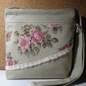 Rózsás farmer táska!, Táska, Válltáska, oldaltáska, Varrás, Homok színű farmer anyagból készült.Elöl rózsás bútorvászon teszi romantikussá.Elöl külön cipzáros ..., Meska