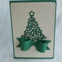 zöld masnis karácsonyi képeslap, Naptár, képeslap, album, Képeslap, levélpapír, Papírművészet, Zöld alapkartonon gyöngyfázfényű bézs színű pöttyösre dobornyomott papíron  Sizzix vágógéppel vágós..., Meska