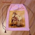 rózsaszín hátizsák vagy tornazsák két lóval, Táska, Hátizsák, Tarisznya, Ez a hátizsák, most egy kétlovas anyagblokkal készült, világos barna zsinórral.  Óvodásoknak való ki..., Meska