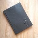 2017-es valódibőr borítású tanári napló monogrammal, Naptár, képeslap, album, Jegyzetfüzet, napló, A képen lévő valódibőrrel borított naplót egyedi kérésre monogrammal gerincbordázattal készítettem. ..., Meska