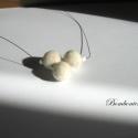 Fehér- Nemez nyaklánc Krisztinának lefoglalva, Fehér gyapjúból nemezelt saját tervezésű nya...